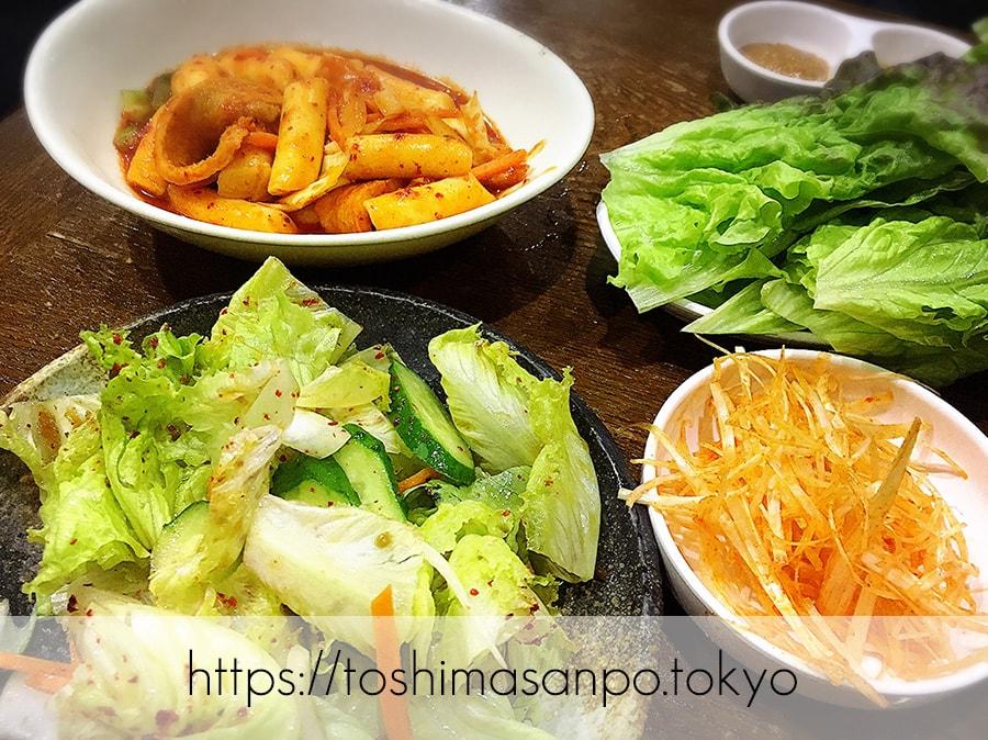 【池袋駅】気軽に手軽に安く韓国家庭料理が楽しめる「イモチャン」ニラチヂミがナイス!のサンチュサラダ・トッポギ