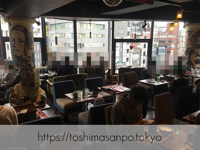 【新宿駅】オシャレカフェの代表!?おなかいっぱい食べられる「kawara CAFE&DINING 新宿東口」の店内